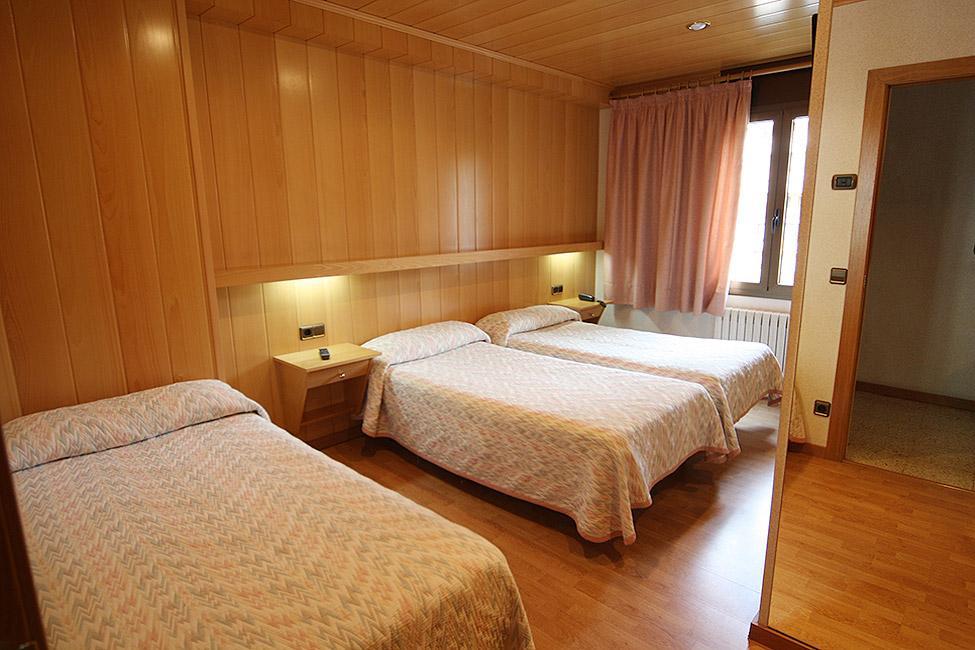 Habitaciones hotel sant antoni for Habitaciones familiares valencia